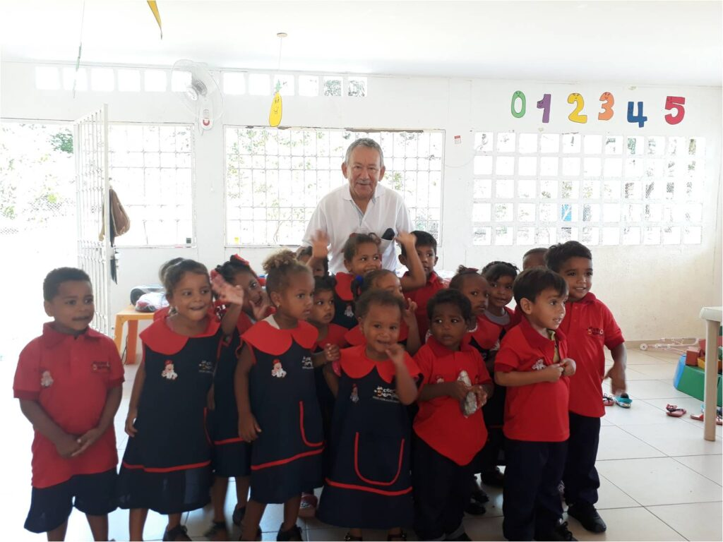 *Rafael García, Coordinator for Drummond Ltd.'s Community Relations Department in Cesar along with the beneficiary children
