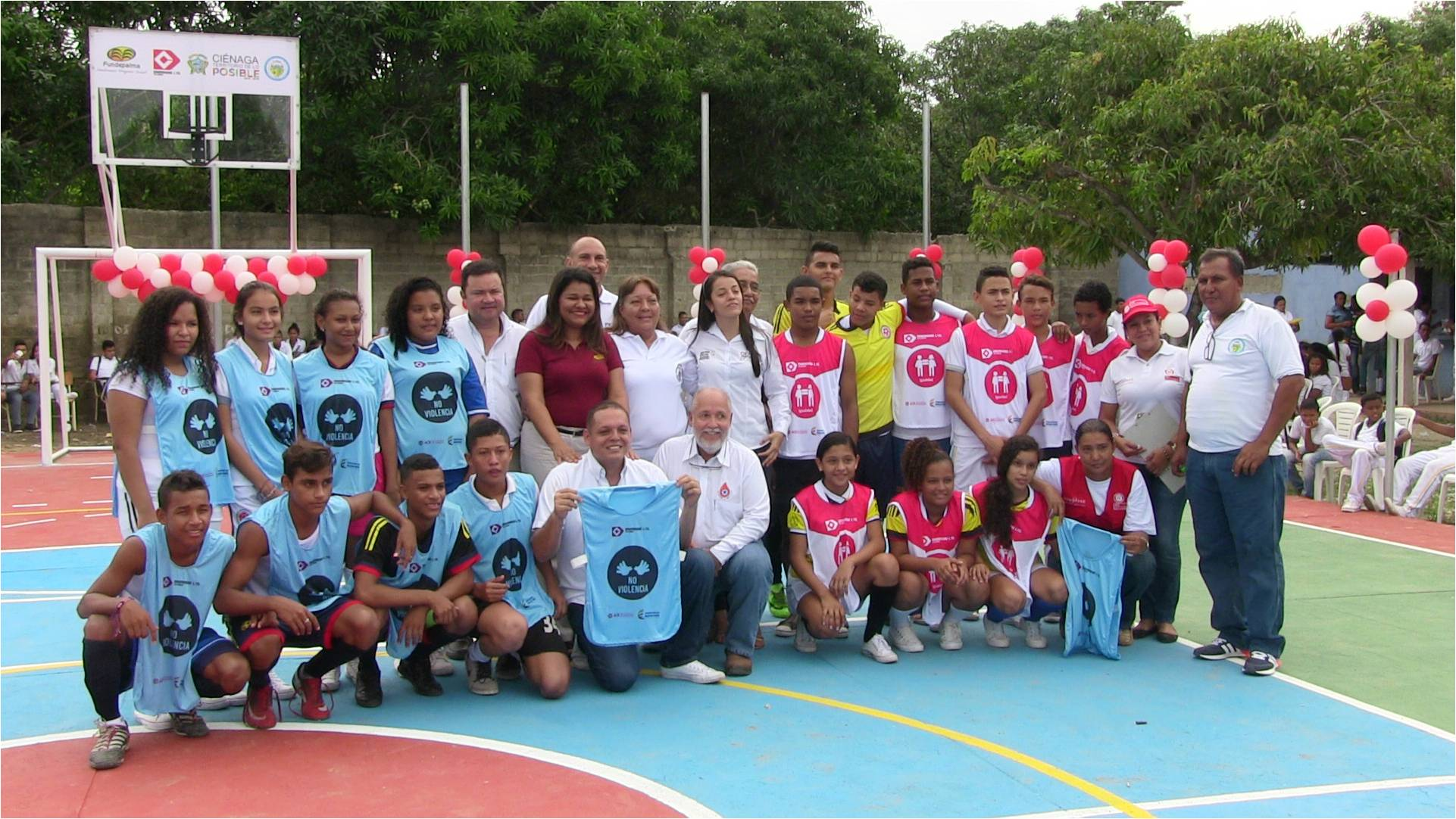 The official handing over of the multiple use sports court of the Educational Institution La Maria in Ciénaga is pictured.