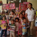 *Children from the Community of Los Cerrajones are happy with their gifts.