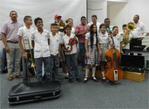 Entrega dotacion de instrumentos musicales2_DLTD