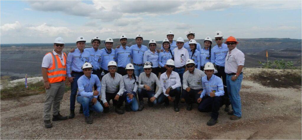 Estudiantes de Universidad Pedagogica y Tecnologica de Colombia visitan DLTD_1