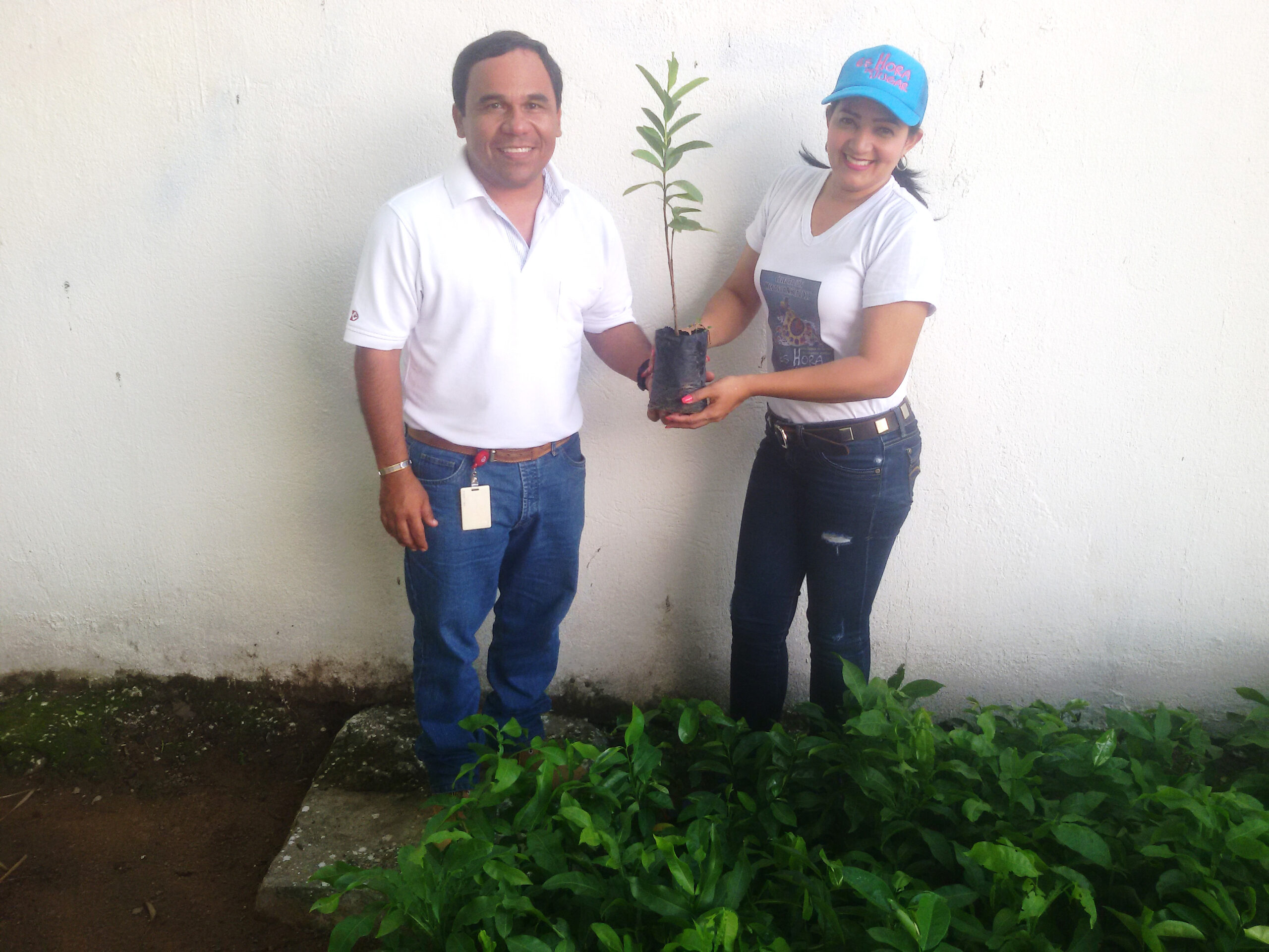 *In the photograph: Leonardo Armenta, Drummond Ltd.'s Community Relations Assistant, and Erica Trujillo, Social Programs Coordinator for the municipality of La Jagua de Ibirico