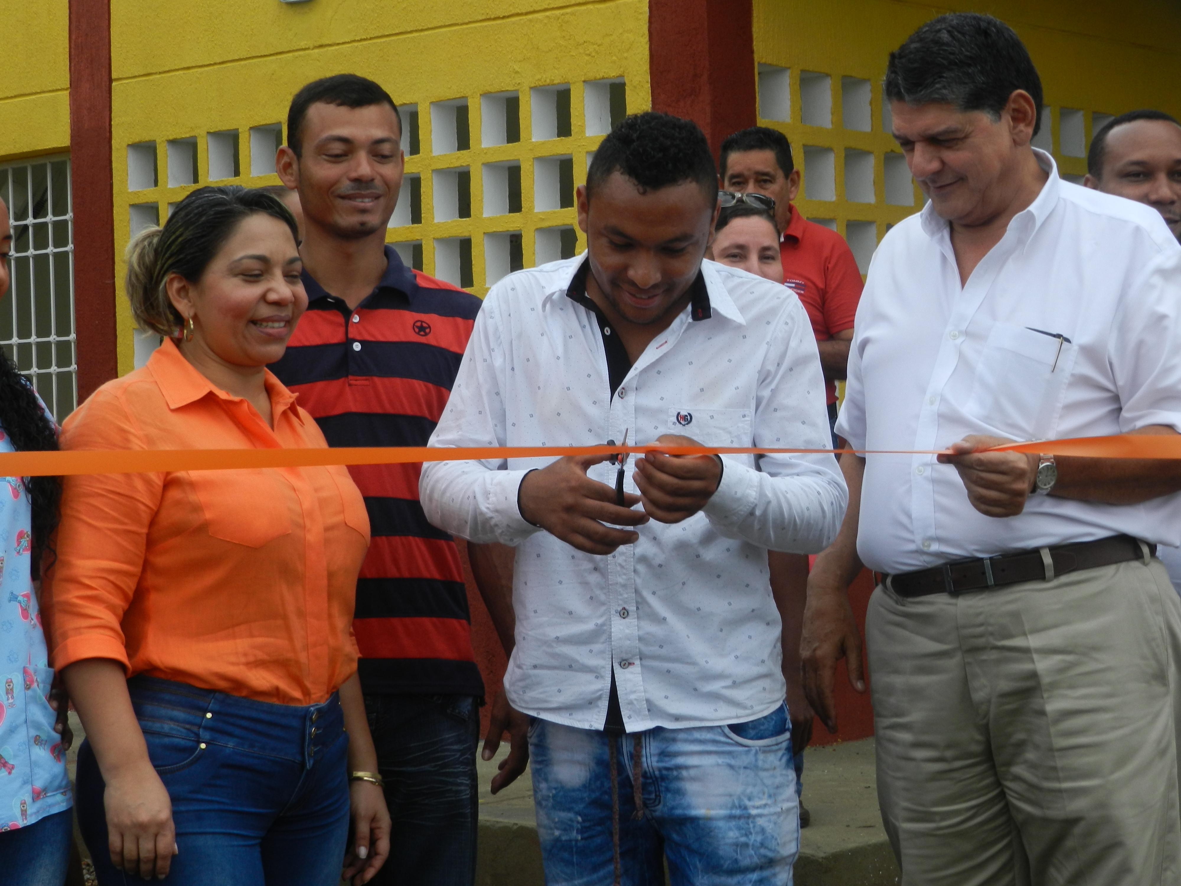 *En la fotografía: Yarcely Rangel, Yair Barón y Alfredo Araújo.