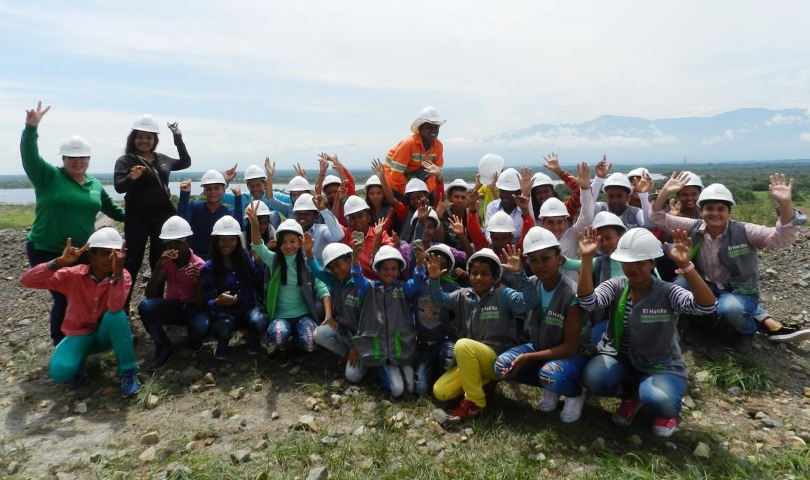 Jovenes del Colectivo de Comunicaciones El Hatillo1_DLTD
