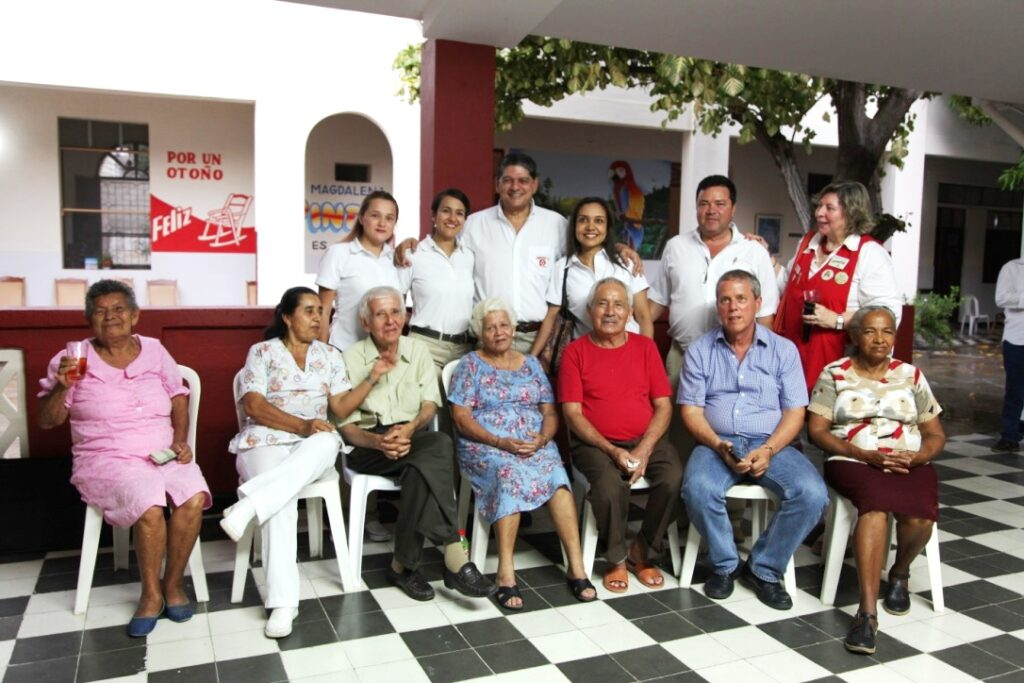Some of the senior citizen residents attended the presentation of the project to update and provide supplies for the dining room and kitchen at the Sagrado Corazón de Jesús nursing home in Santa Marta.