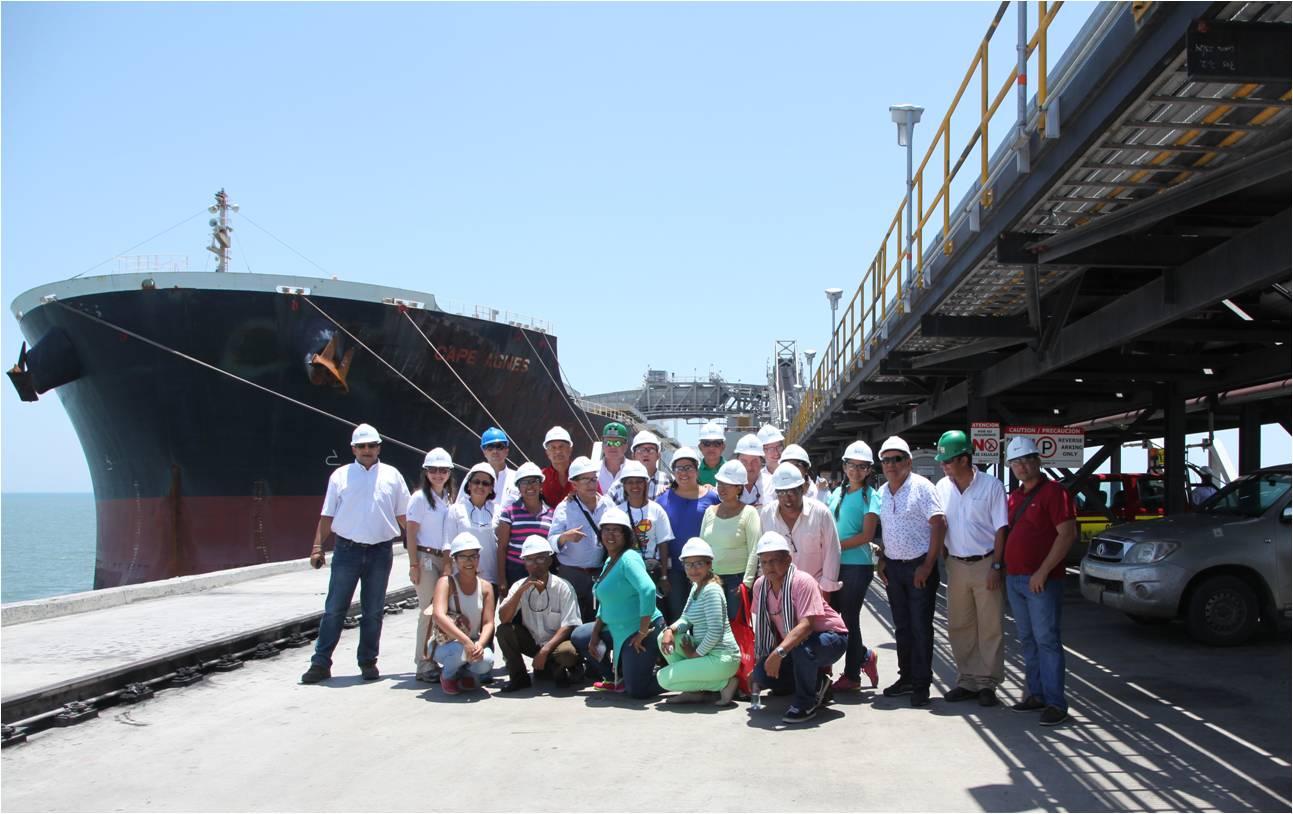 Periodistas en su recorrido por Puerto Drummond