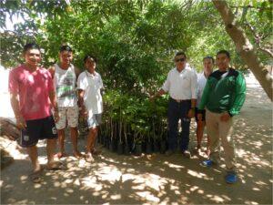 Residents of the Villa La Feria neighborhood in La Loma, Cesar