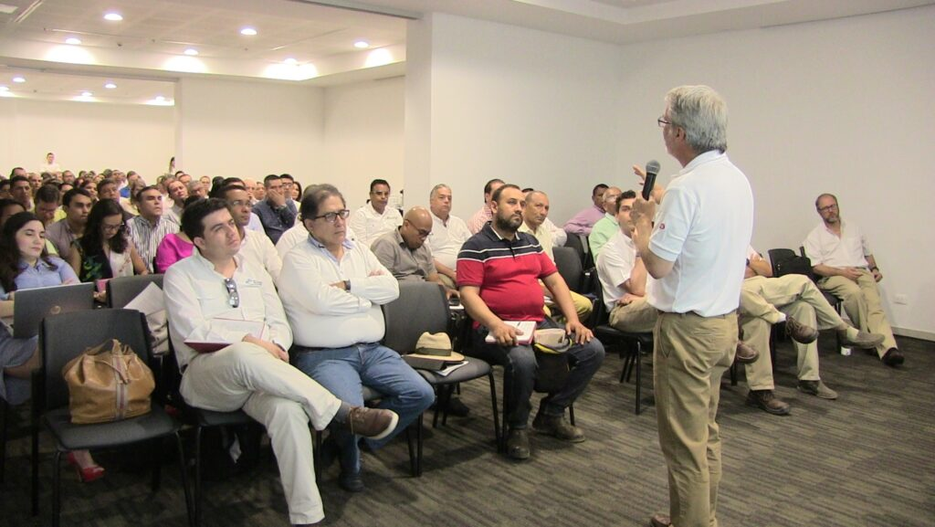 Jose Rafael Unda, Human Rights Advisor, leading the meeting with Drummond Ltd. employees, contractors, and providers.