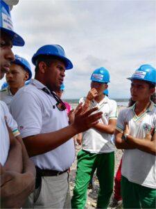 Visita estudiantes I.E. Jose Guillermo Castro Castro2 DLTD