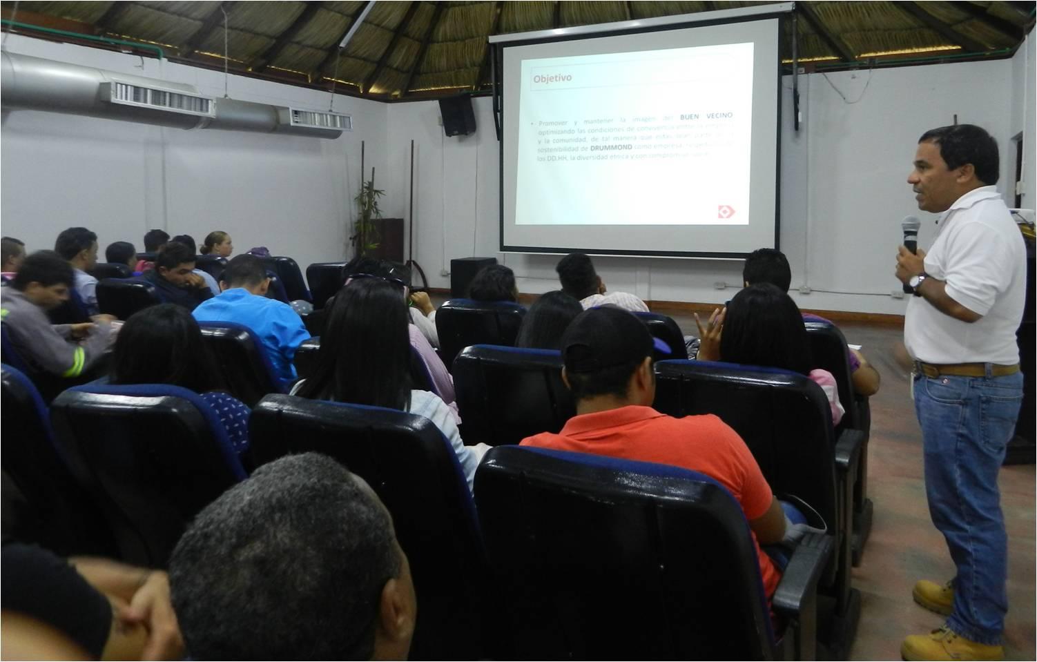 *Estudiantes del INFOTEP sede San Juan del Cesar, Guajira, en las instalaciones de la mina Pribbenow